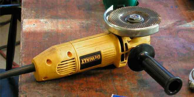 Фирменный инструмент DeWalt в каждый гараж