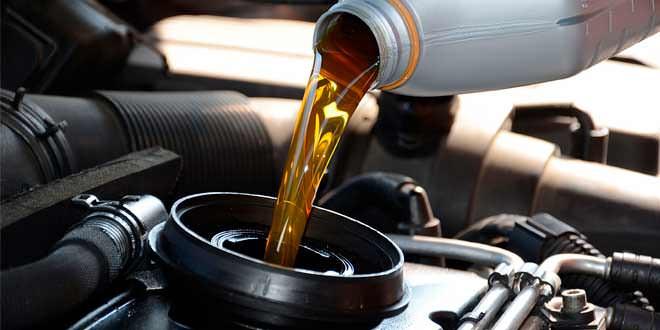 Моторное масло: разновидности и характеристики продукции