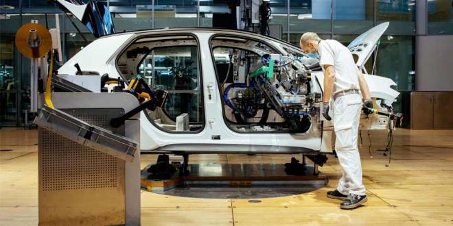 Volkswagen сократит 4 000 рабочих на семи заводах в Германии