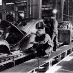 Фото   Сварочные работы с VW Beetle