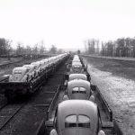 Фото   Доставка VW Beetle по железной дороге