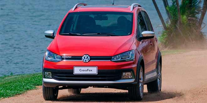 Вышел новый Volkswagen CrossFox — хэтчбек для бездорожья   фото