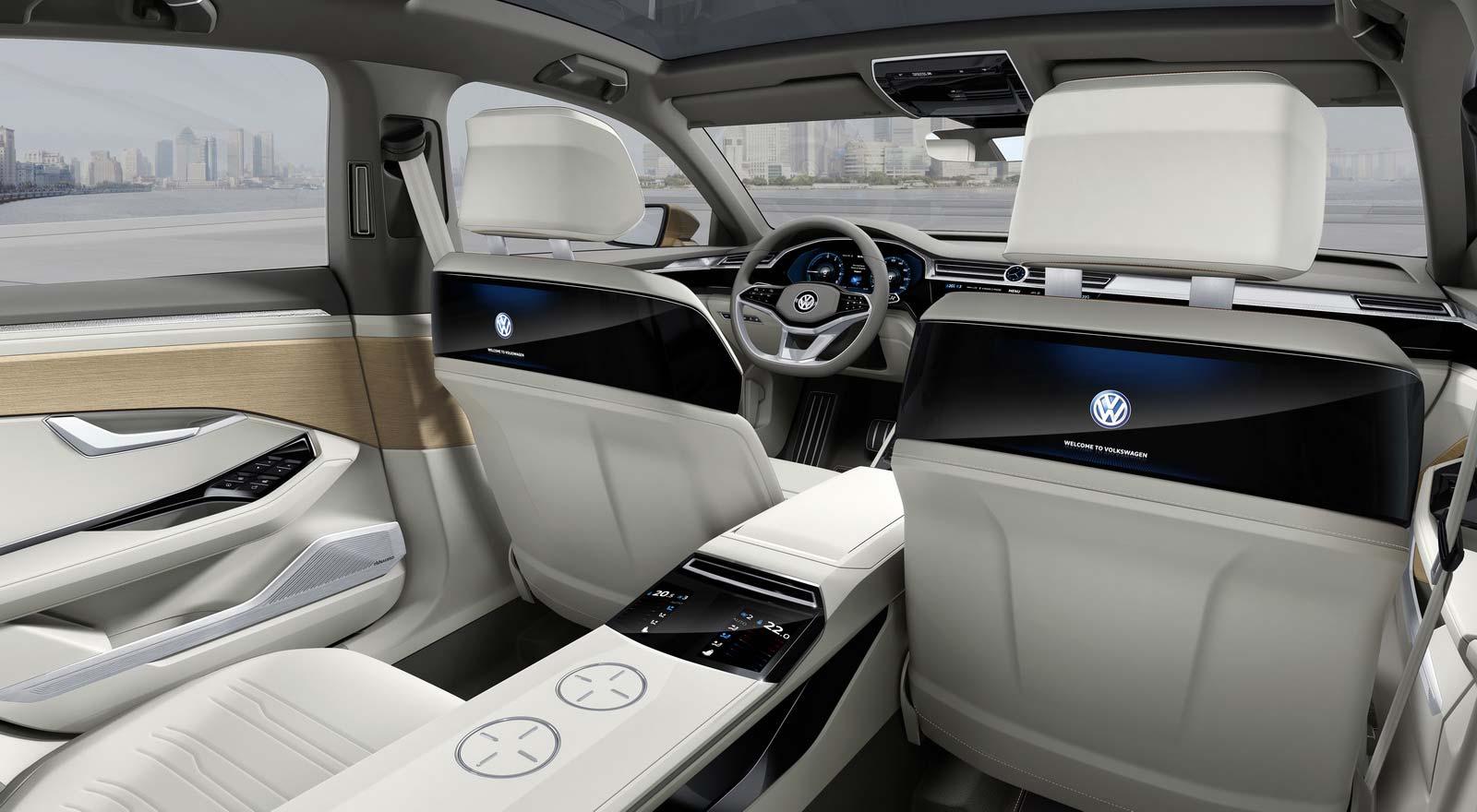 Интерьер Volkswagen C Coupe GTE