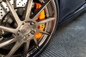 Бронзовые диски. Фото на Audi R8