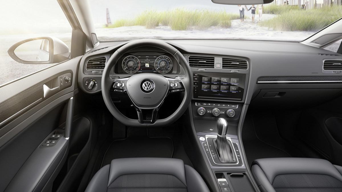 Салон универсала Volkswagen Golf Variant 2017