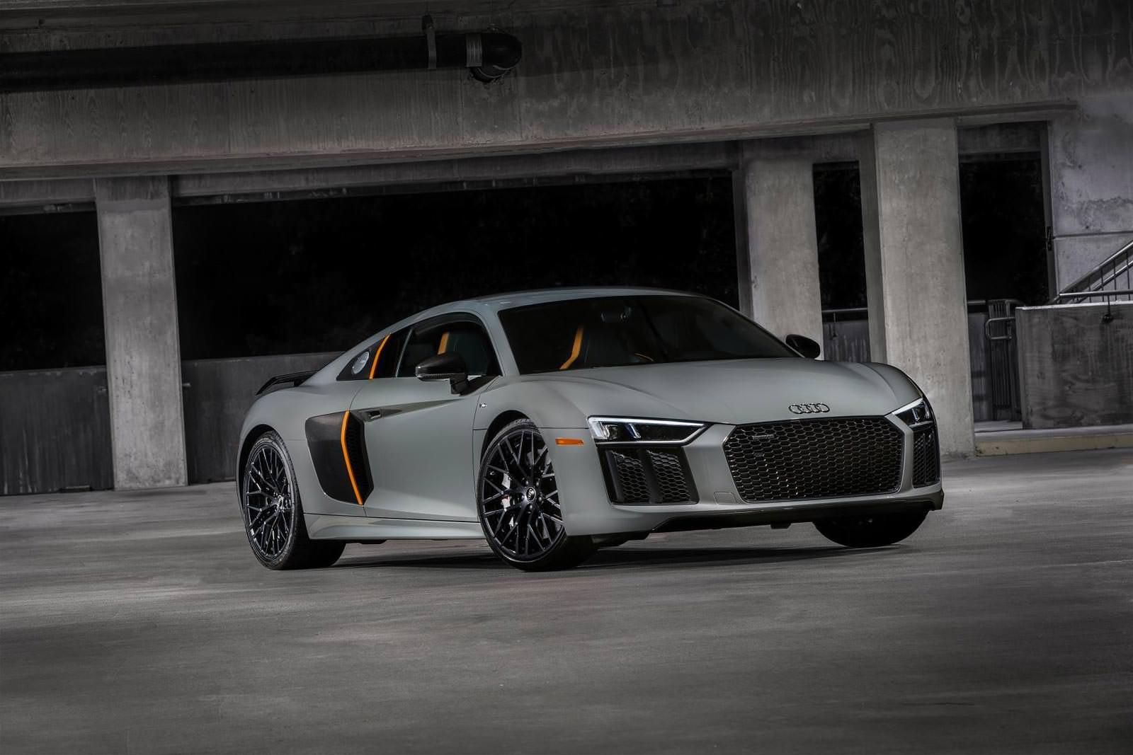 Audi R8 V10 Plus Exclusive Edition с лазерными фарами
