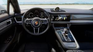 Салон Porsche Panamera Turbo S E-Hybrid