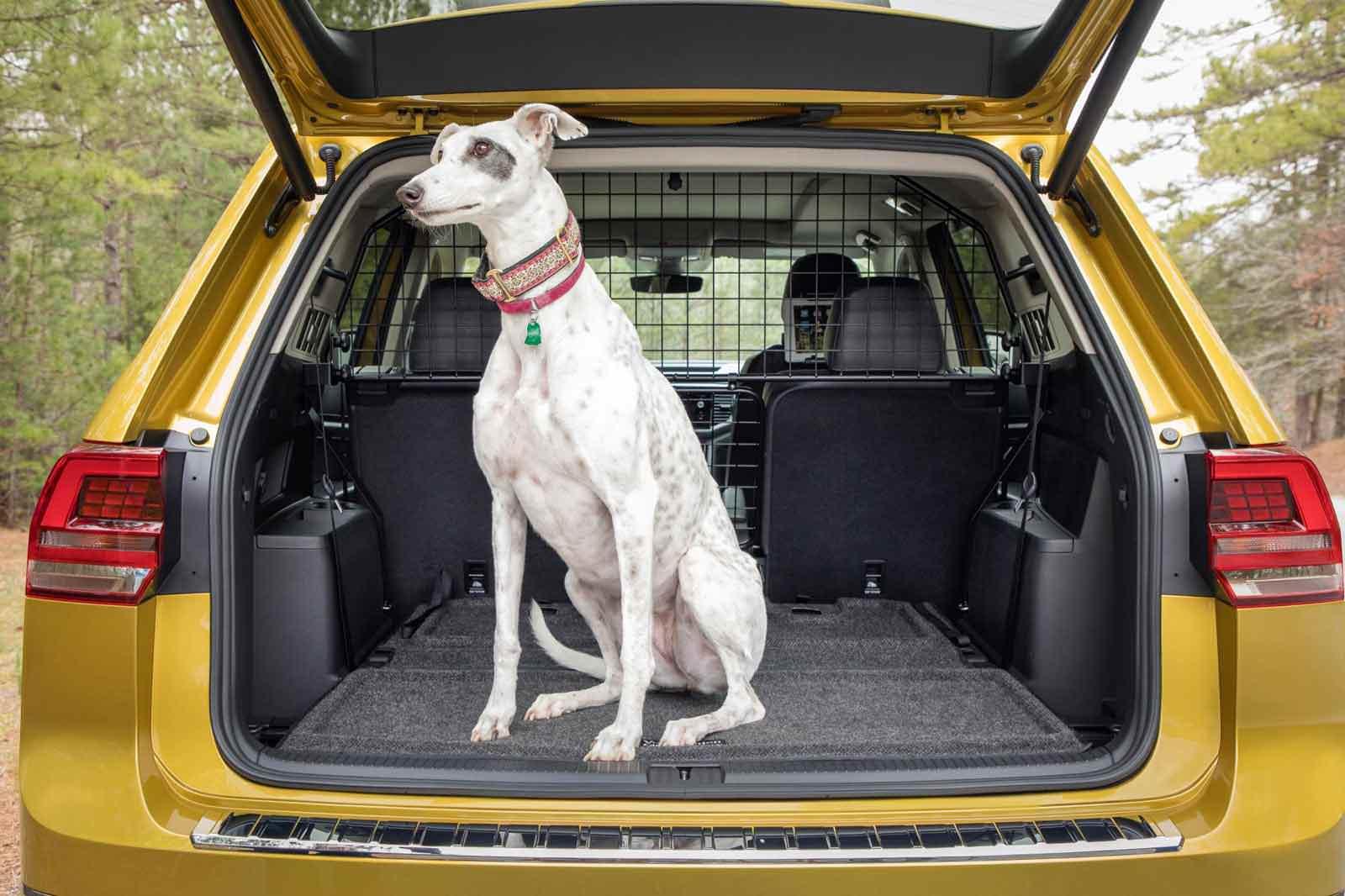 Ровный пол в багажнике VW Atlas