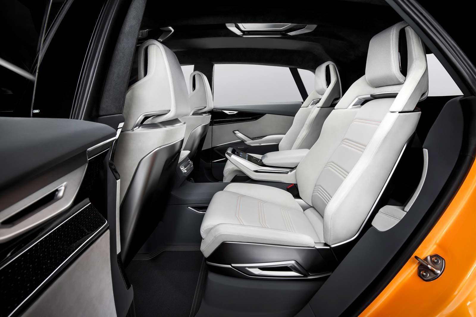 Задние кресла Audi Q8 Sport Concept