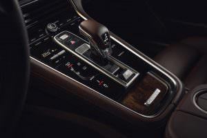 Центральная консоль Porsche Panamera Sport Turismo