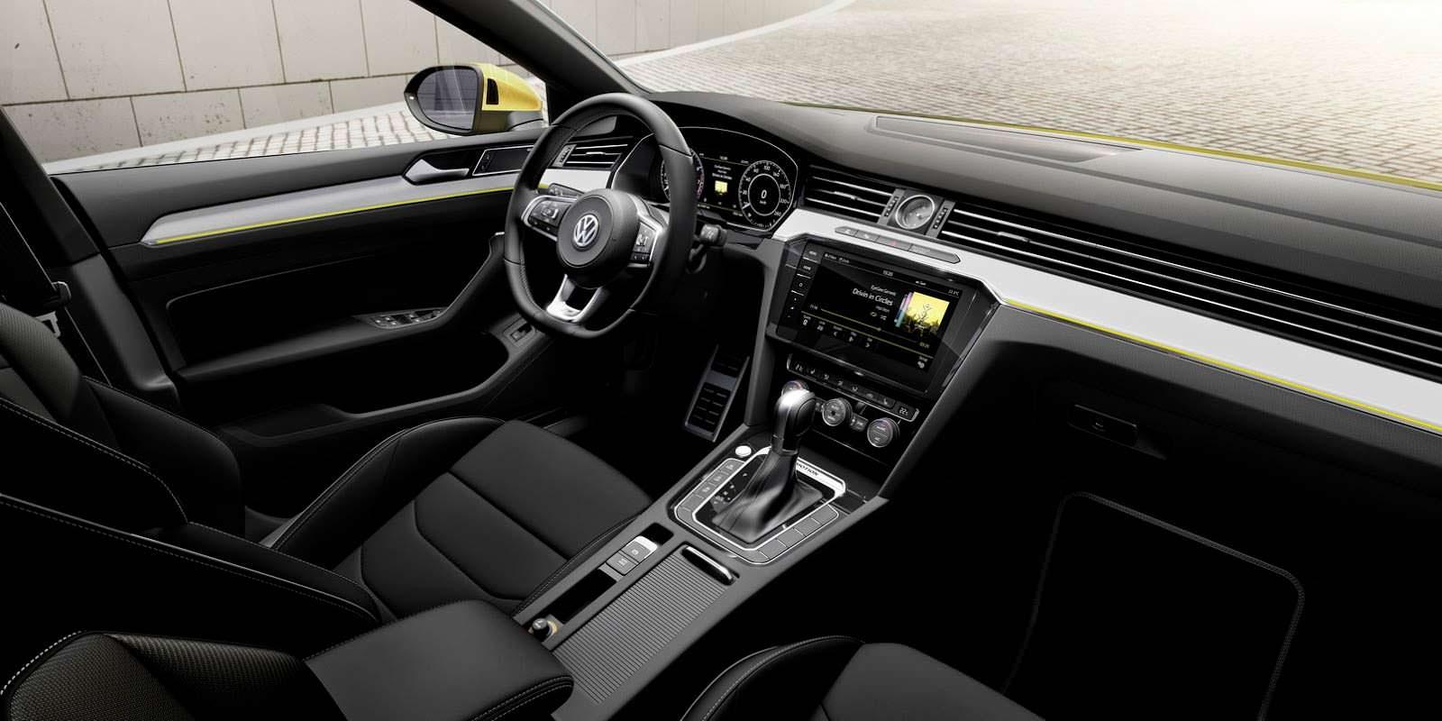 Салон Volkswagen Arteon похож на Passat