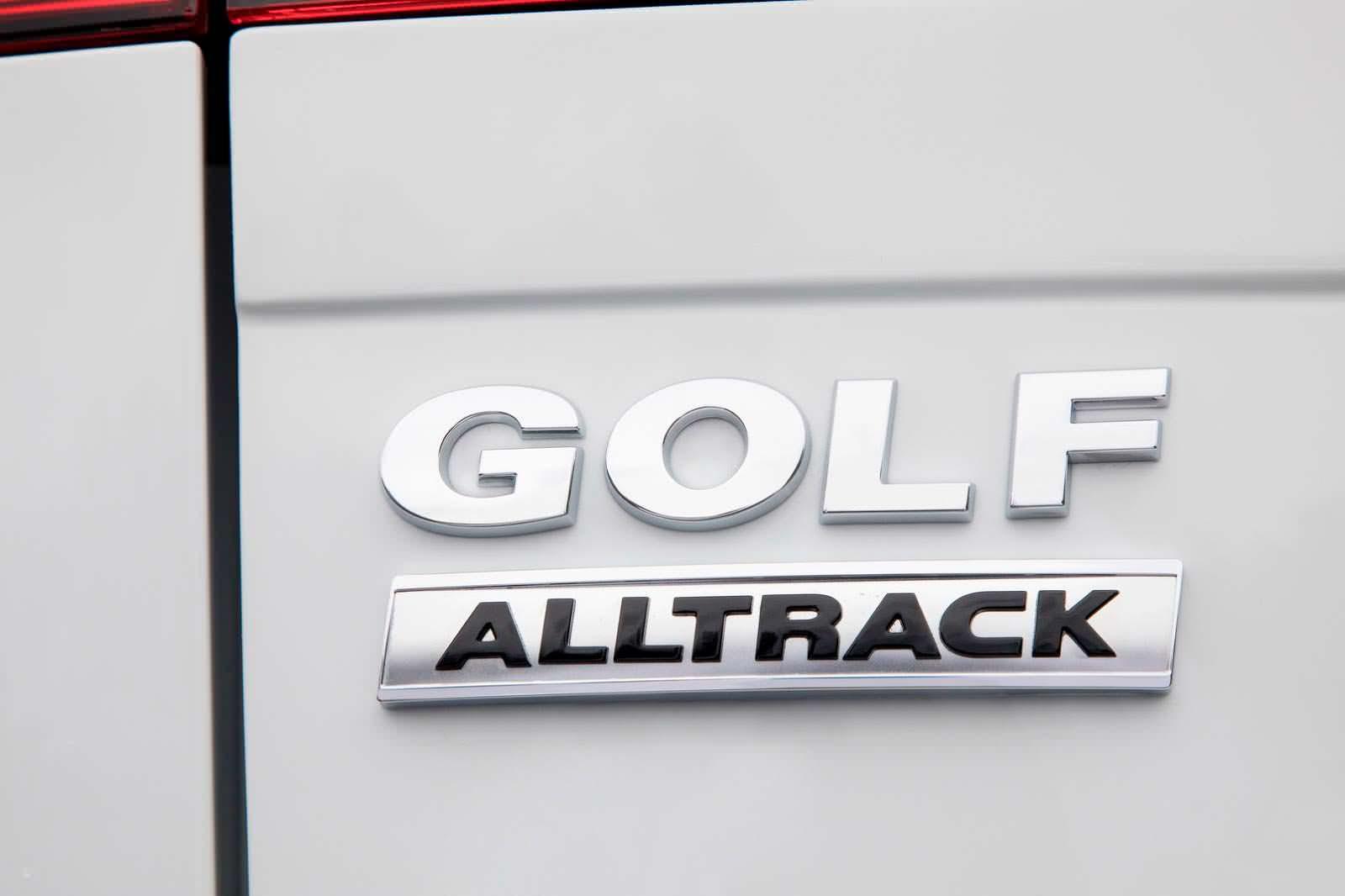 Фото | Надпись Volkswagen Golf Alltrack