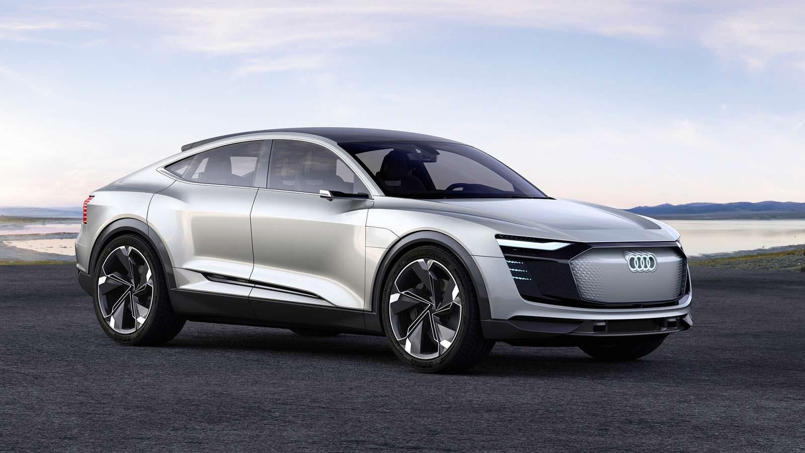 Фото   Купе-кроссовер Audi E-Tron Sportback Concept