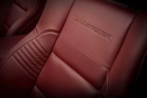 Фото | Красная кожа в салоне Jeep Grand Cherokee Trackhawk