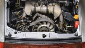 3,8-л атмосферный двигатель Porsche 911 RSR 1993 года