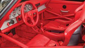 Красный салон Porsche 911 RSR 1993 года выпуска
