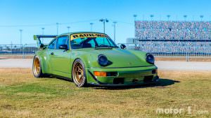 Фото   RWB Porsche 911 (964)