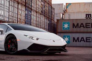 Фото   Белый Lamborghini Huracan оттенка Bianco Avus