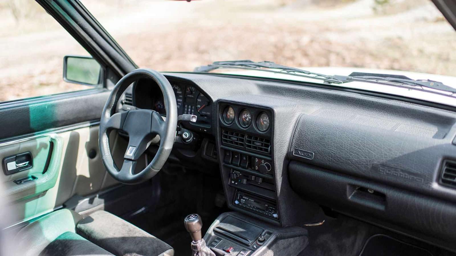 Фото салона Audi Sport Quattro 1984 года