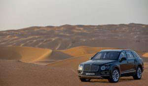 Bentley Bentayga Falconry от Mulliner в пустыне