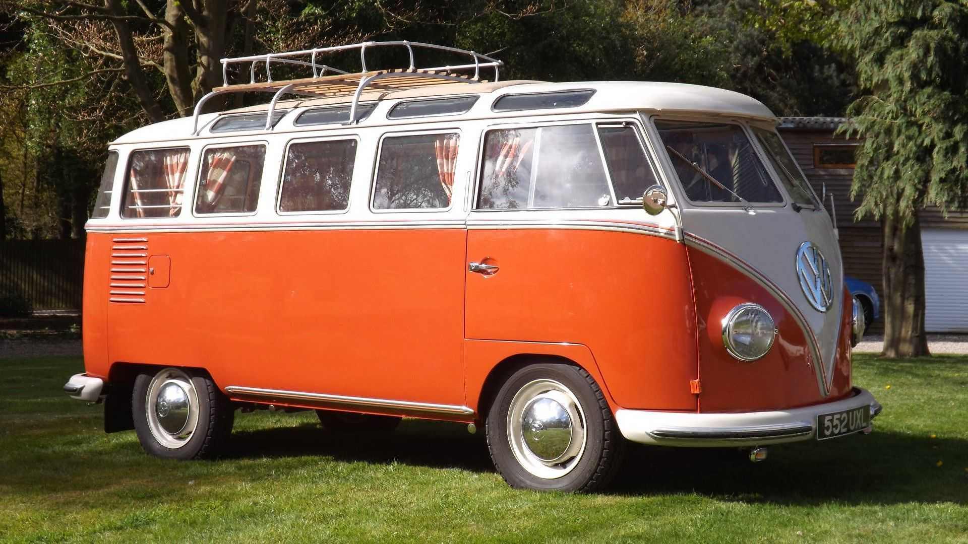 Ретро-кемпер Volkswagen T1 Samba 1959 года выпуска
