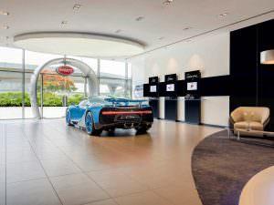 Фото   Крупнейший салон Bugatti в Дубае, ОАЭ и Bugatti Chiron