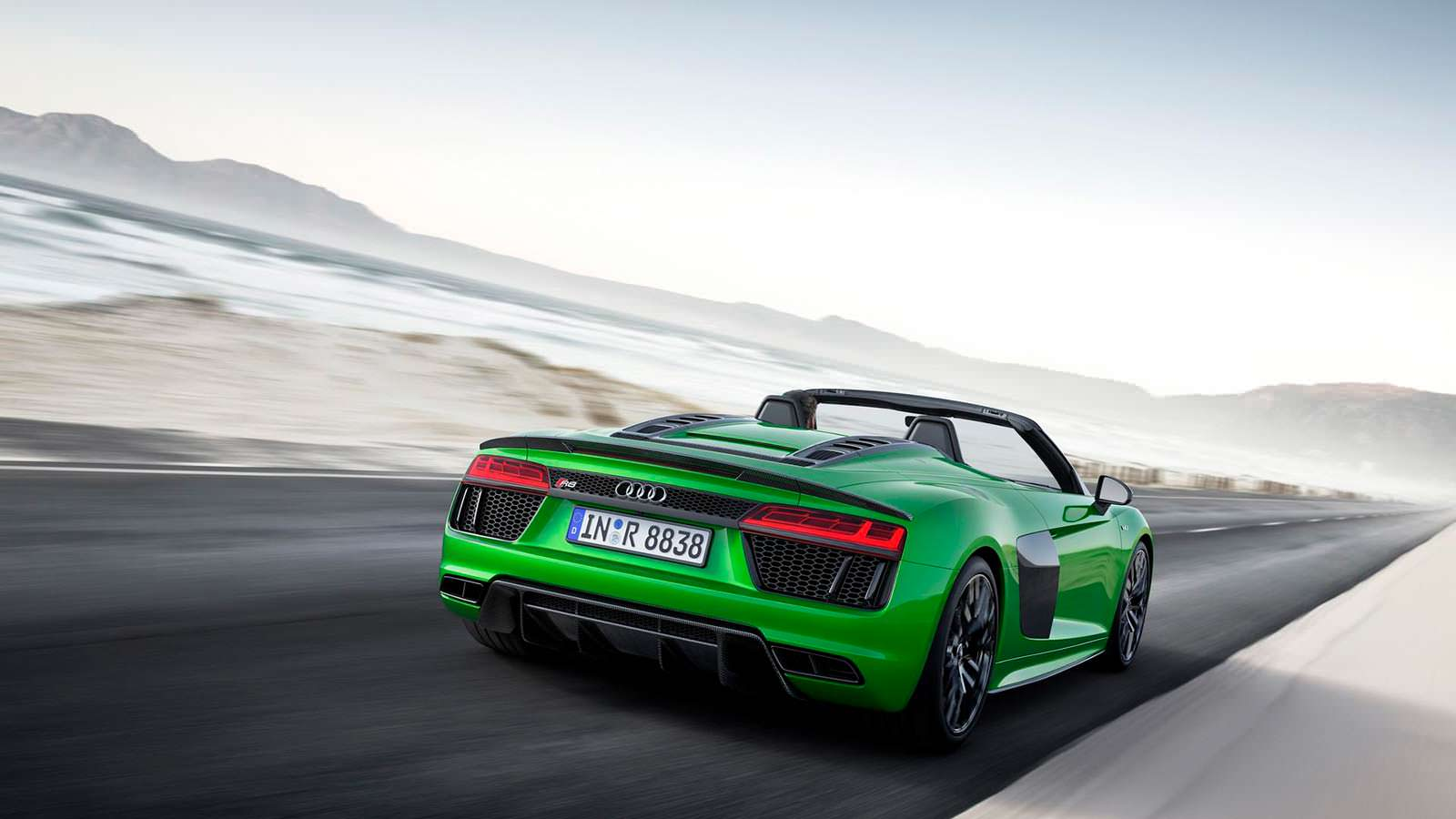 Зелёная Audi R8 Spyder V10 Plus Micrommata