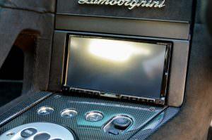 Сенсорный экран в салоне Lamborghini Murcielago SV 2010 года