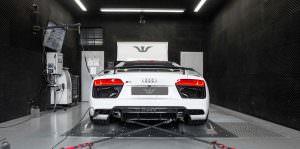 Родстер Audi R8 Spyder на стенде измерения мощности