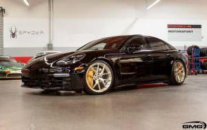 Черная Porsche Panamera Turbo на 21-дюймовых дисках HRE P101