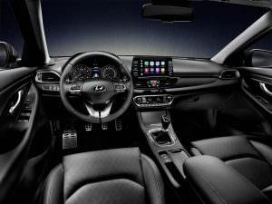 Фото салона Hyundai i30 Fastback 2018