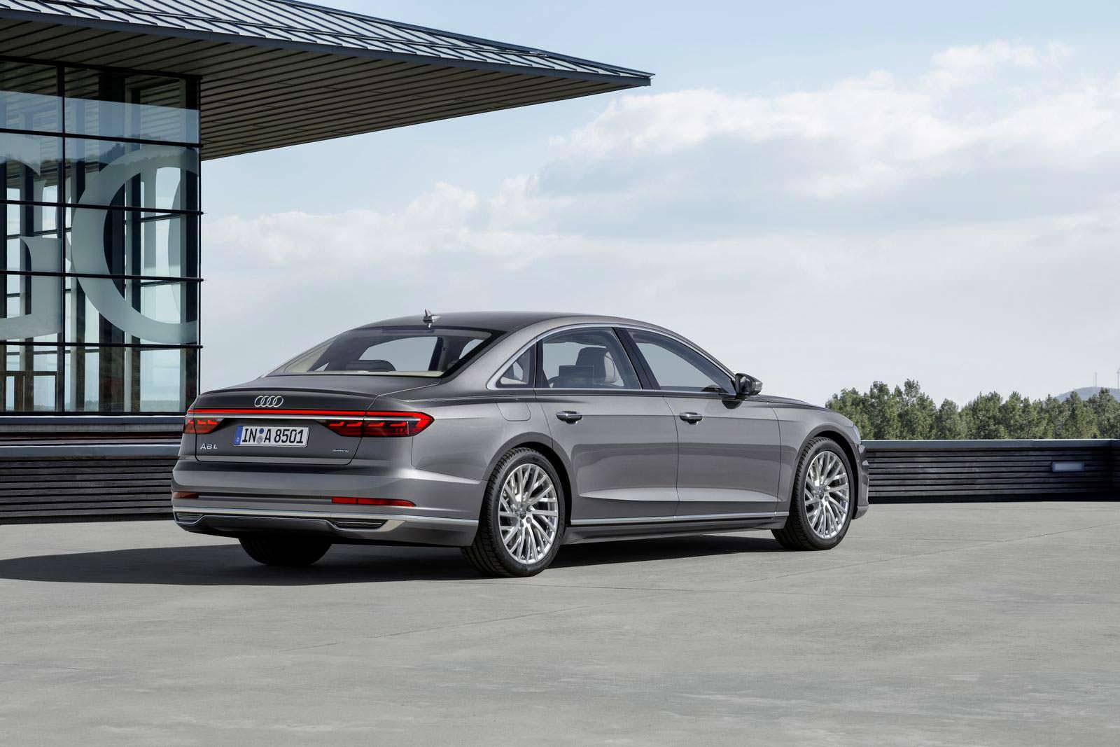 Удлиненный седан Audi A8 L