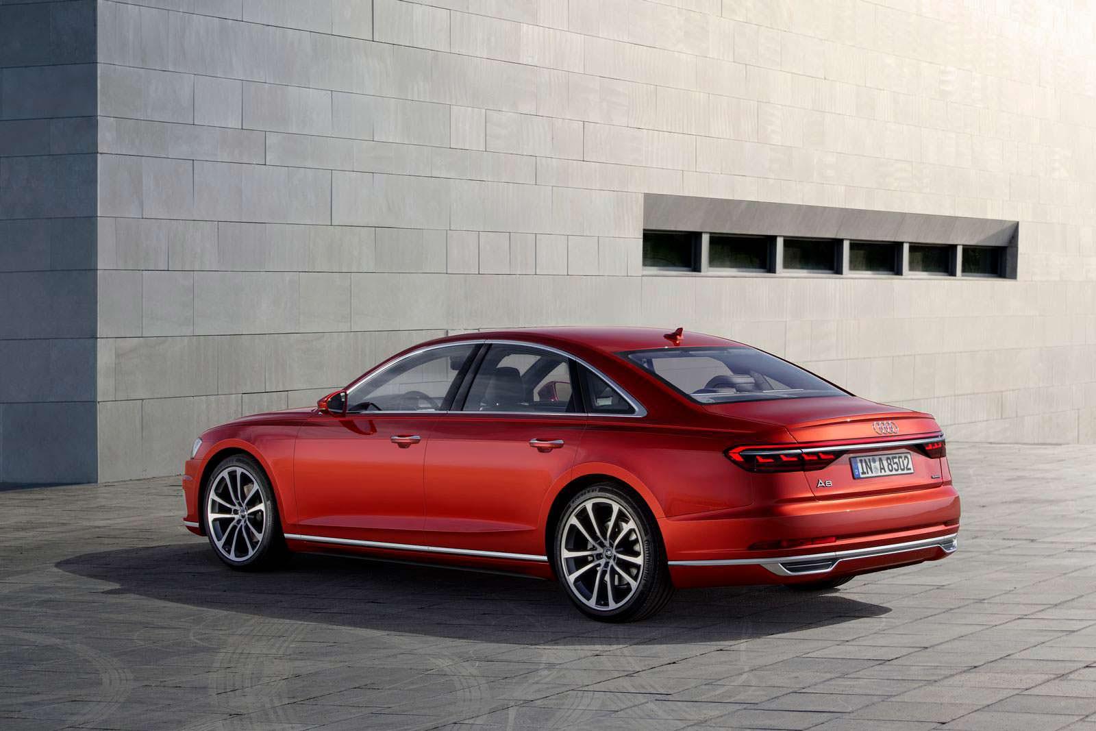 Флагманский седан Audi A8 2018 года