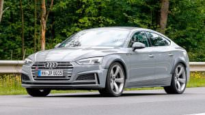 Горячий хэтчбек Audi RS5 Sportback на дорожных тестах