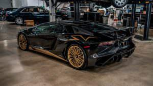 Чёрный Lamborghini Aventador SV в Беверли-Хиллз