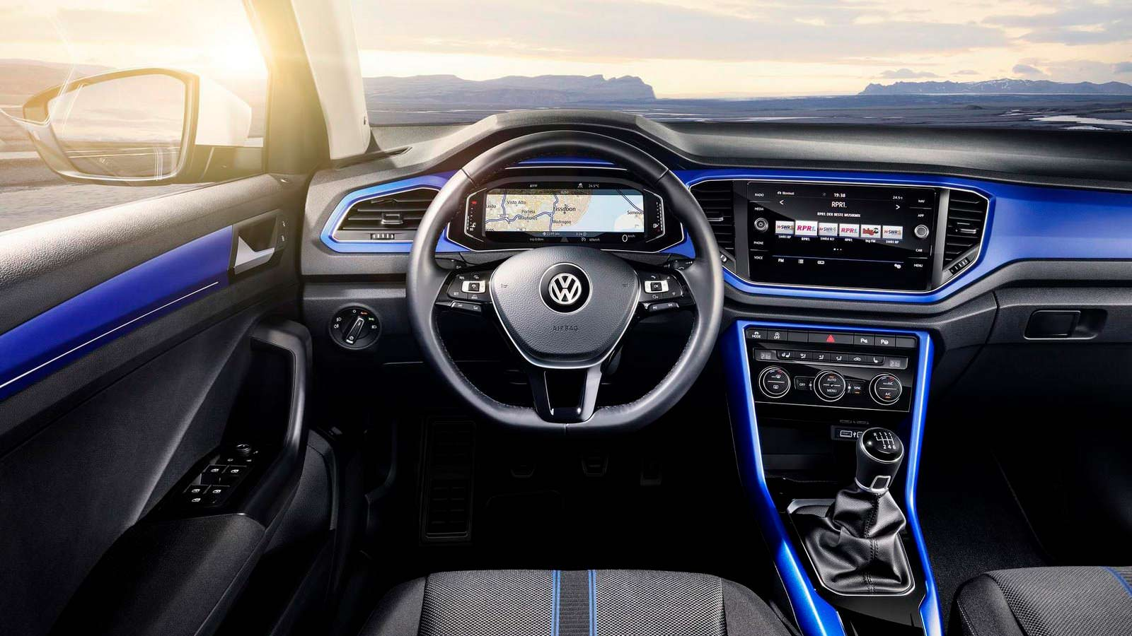 Интерьер Volkswagen T-Roc 2018