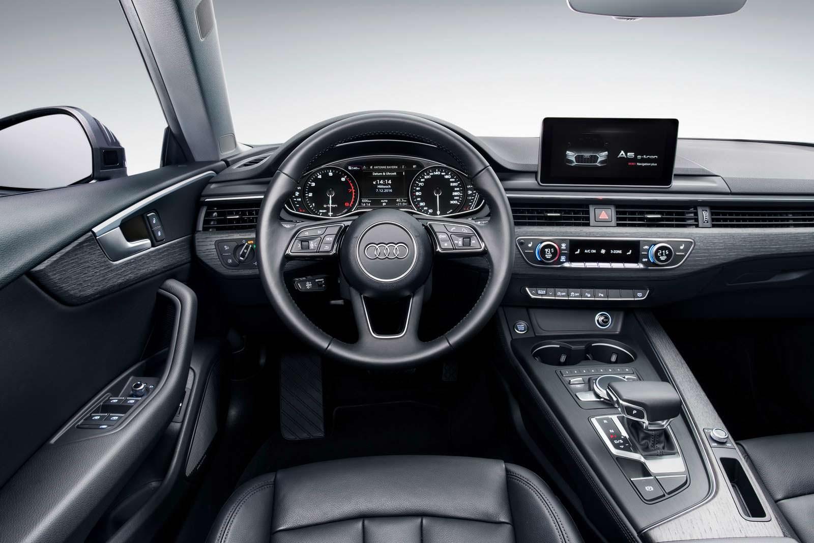 Фото салона Audi A4 Avant G-Tron