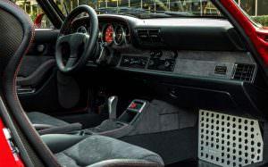 Günther Werks 400R: полностью обновленный салон Porsche 993