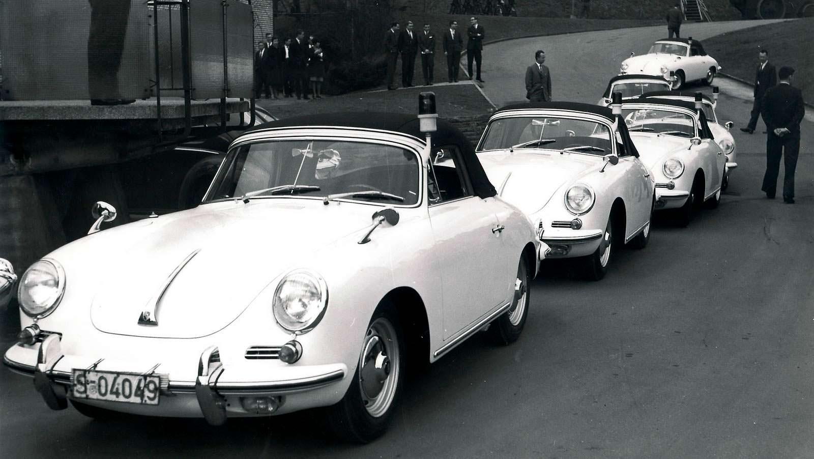 Классическая полицейская Porsche 356 в Голландии