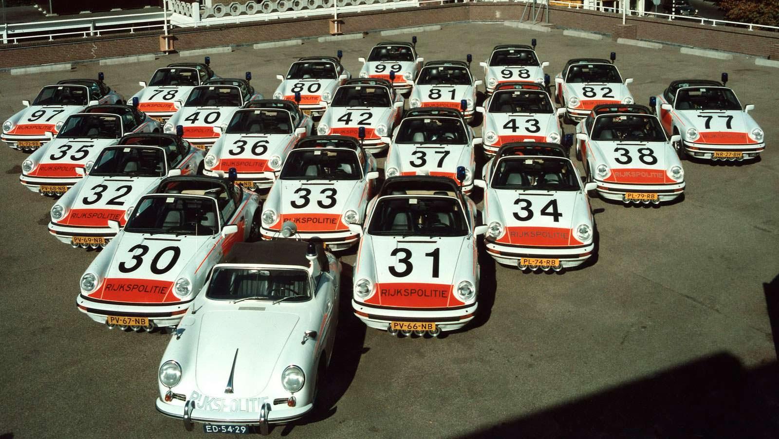 Классические полицейские Porsche на слете в Голландии