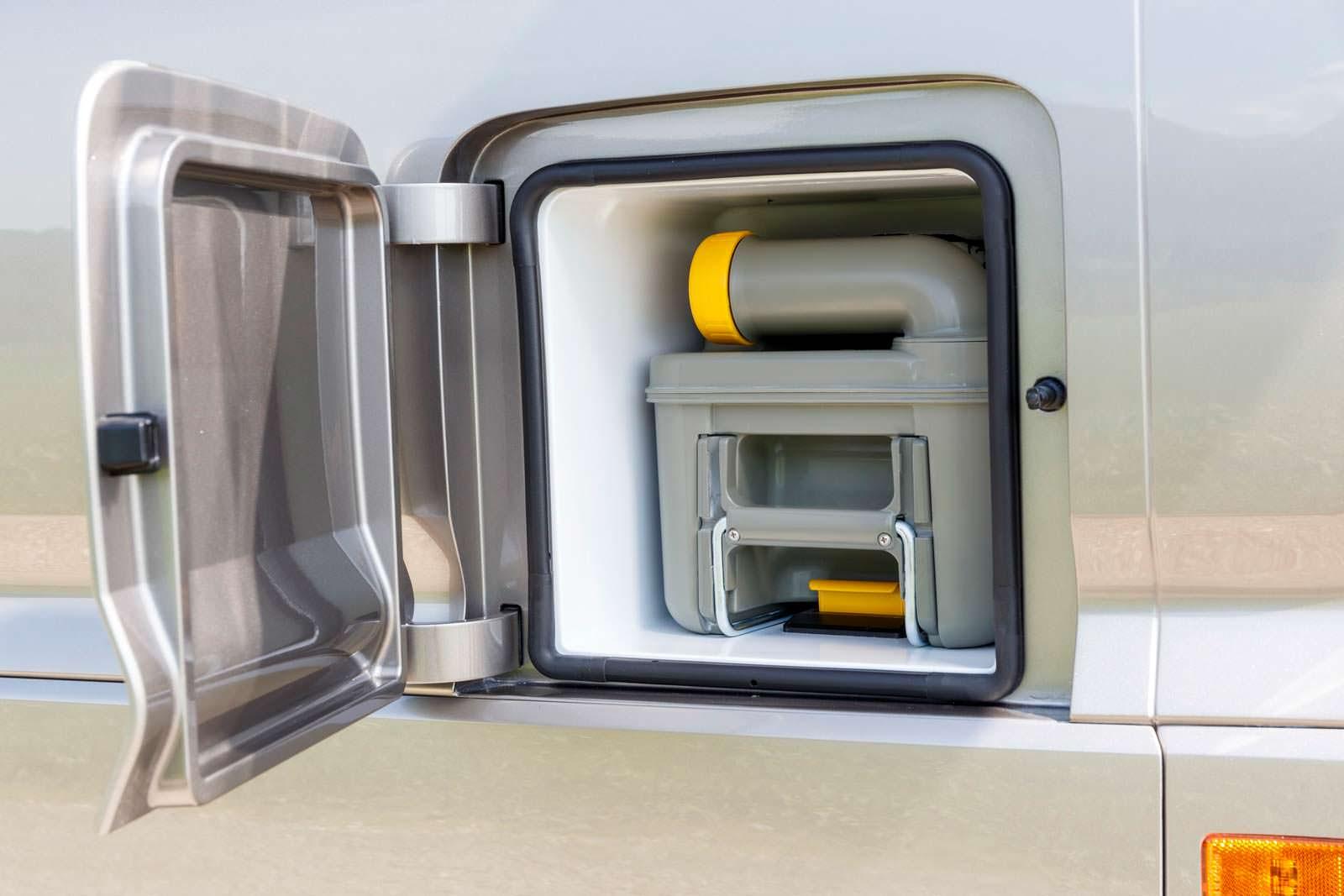 Емкость биотуалета кемпера Volkswagen California XXL