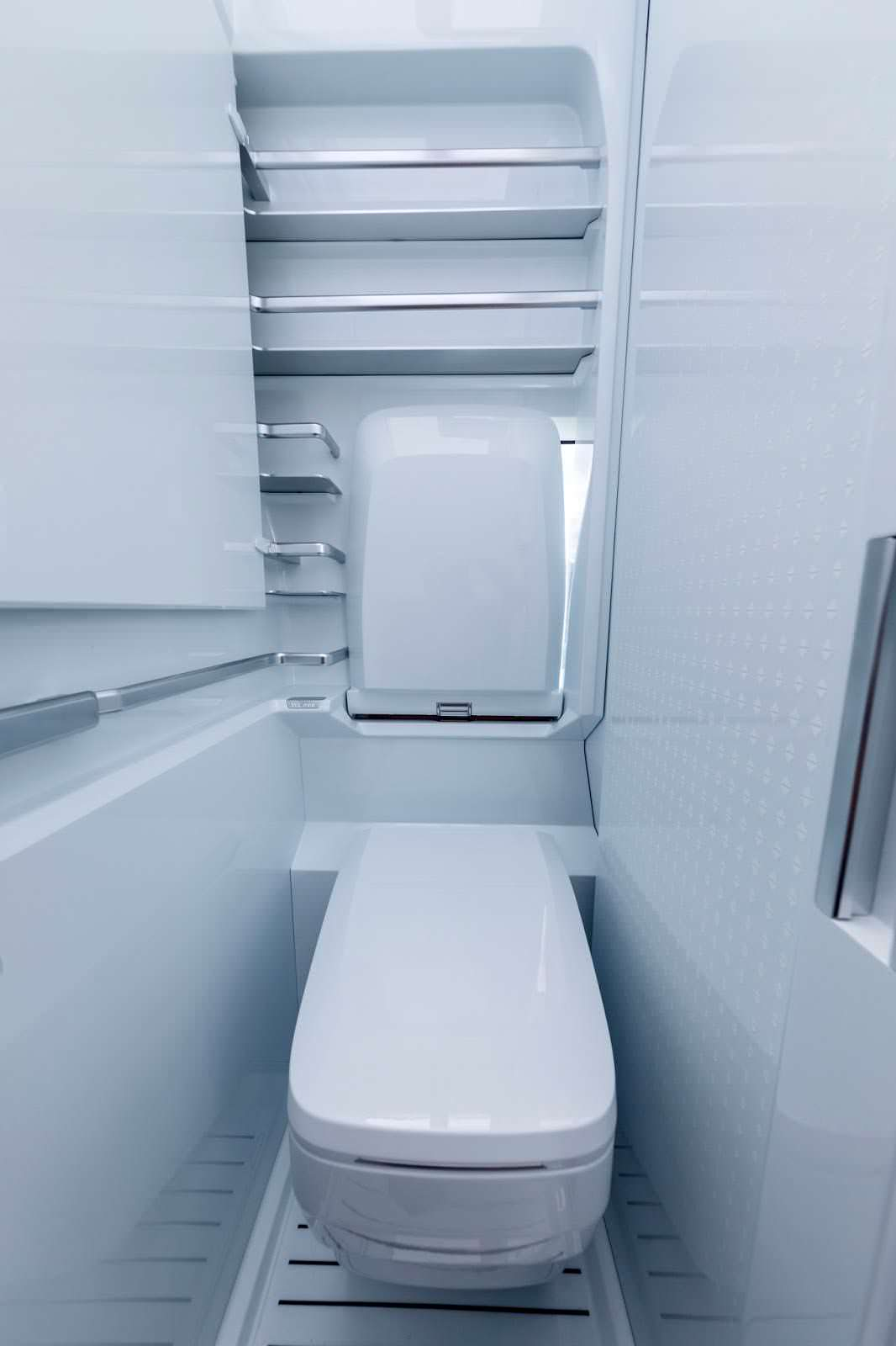 Туалет в кемпере VW California XXL