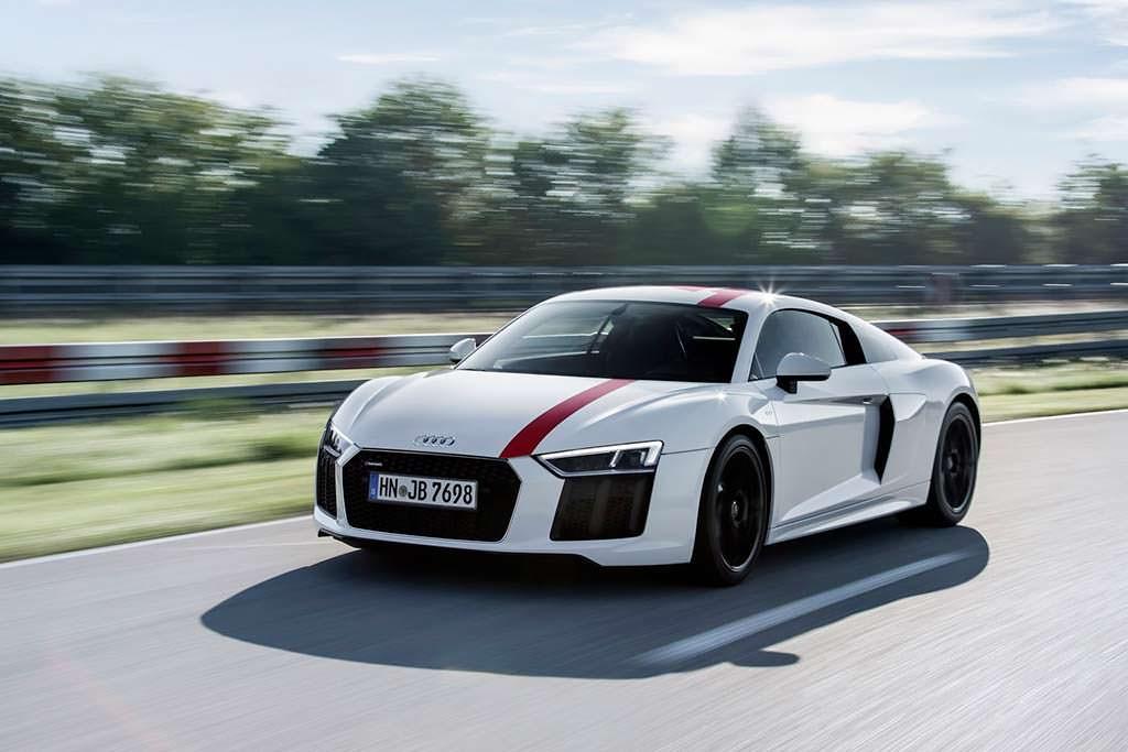 Заднеприводный суперкар Audi R8 V10 RWS