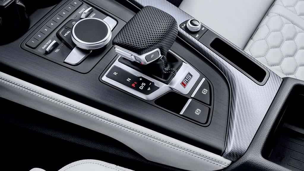 8-ступенчатый Tiptronic в Audi RS4 Avant 2018