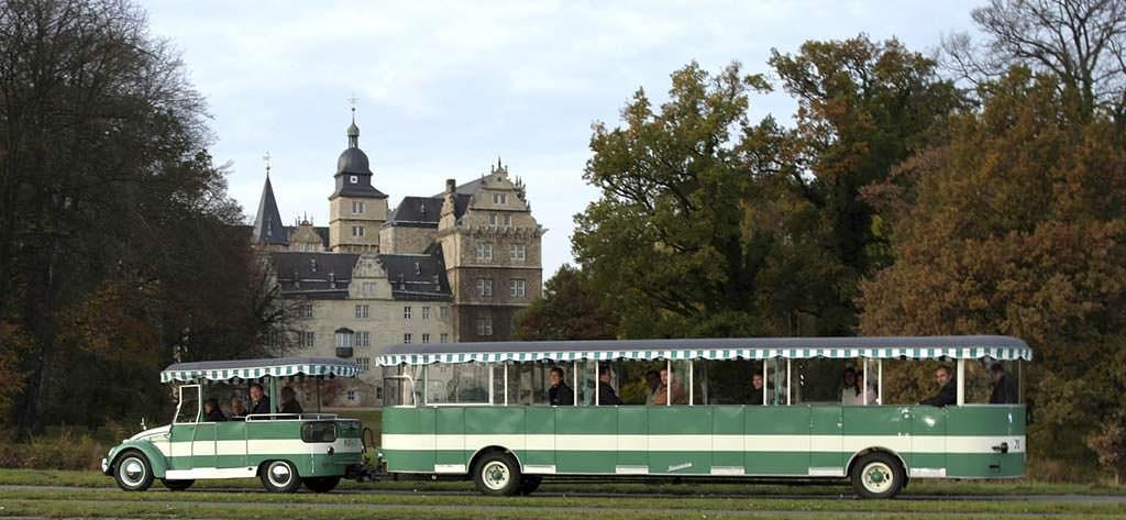 Ретро-автобус Volkswagen Beetle Bähnle