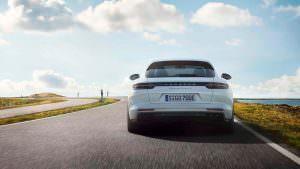 Новый Porsche Panamera Turbo S E-Hybrid Sport Turismo