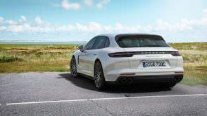 Новая Porsche Panamera Turbo S E-Hybrid Sport Turismo