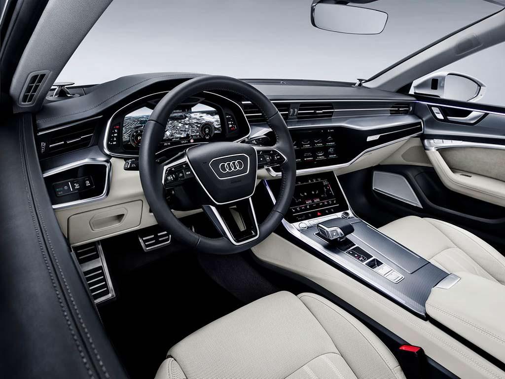 Фото салона Audi A7 нового поколения
