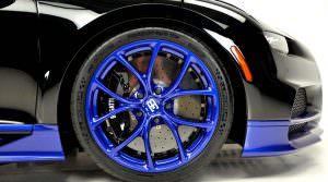 Синие колеса Bugatti Chiron