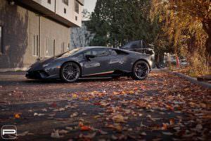 Суперкар Lamborghini Huracan Performante с дисками PUR Wheels